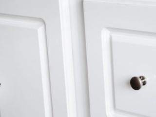 bathroom-vanity-glossy-white-header